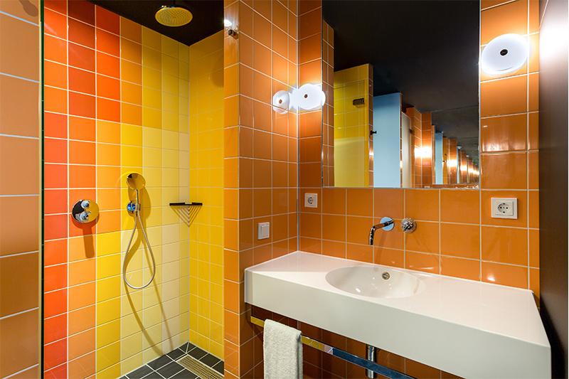 Room Mate Bruno, Teresa Sapey en Rotterdam