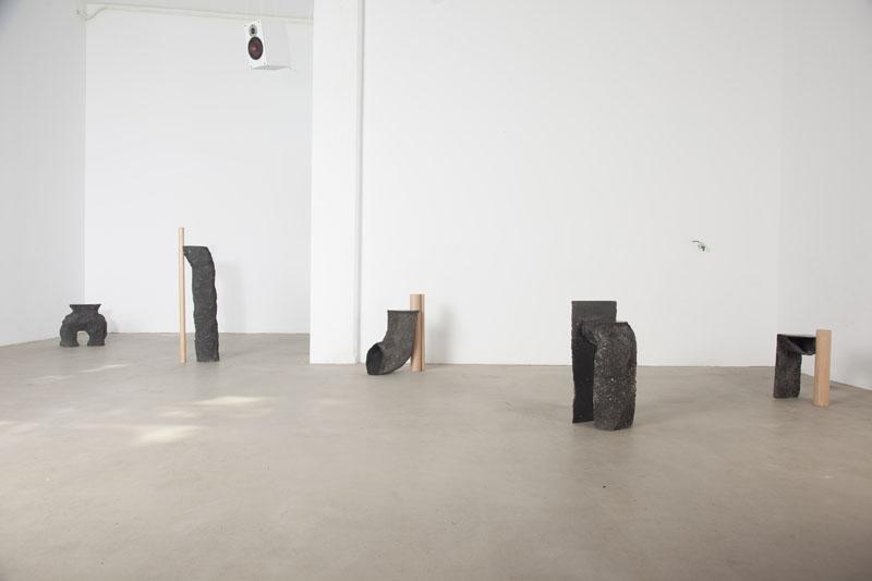 Studio La Cube: Trigo, Perro y Roca
