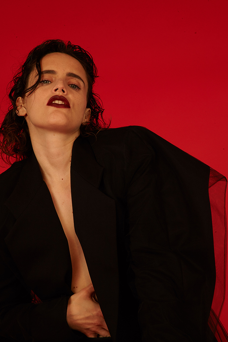 Anna Calvi, entrevista y nuevo disco: Hunter