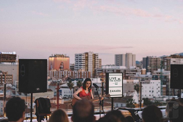 Mix del Verano: Conciertos, Azoteas y Ron Rouge