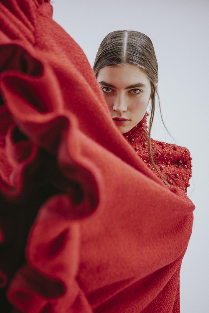 Editorial moda en rojo por Alejandra Vacuii