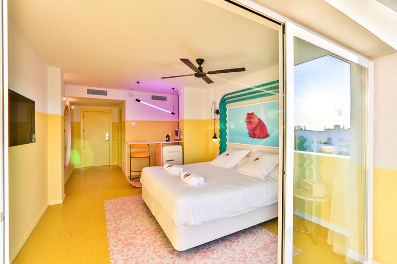 Interior de una habitación en Hotel Paradiso Ibiza