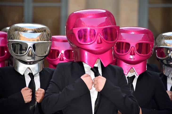 La Performance de Karl Lagerfeld y ModelCo
