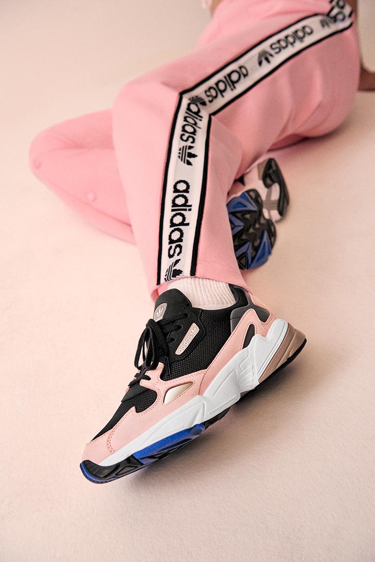 De Kylie Las Rosas Zapatillas Adidas Falcon Jenner xnvqIX0