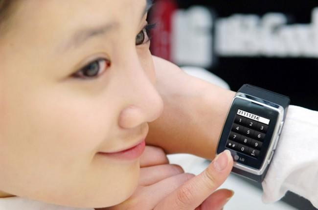 TELÉFONO-RELOJ 3G CON TECNOLOGÍA TÁCTIL DE LG
