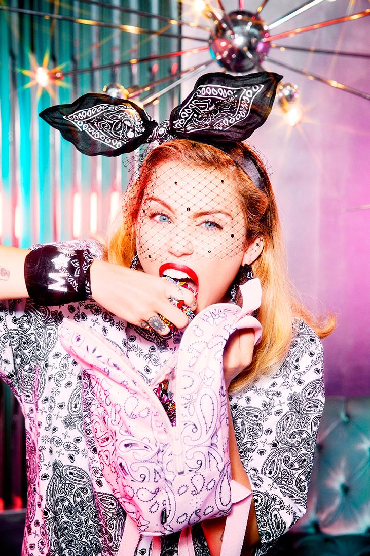 Converse x Miley Cyrus en Bershka
