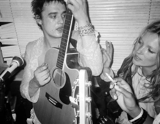 Pete Doherty en tu mesilla